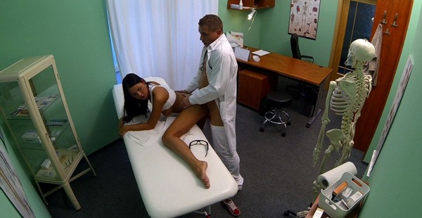 fake-hospital-hot-brunette-bending-over-for-the-doctor