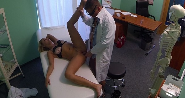 sexy-blonde-fucking-in-the-fake-hospital
